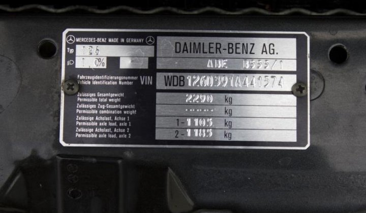 Mercedes Benz 560 SEL