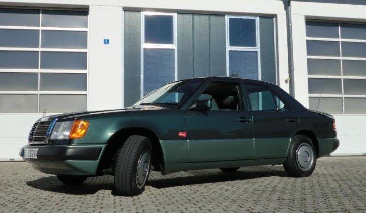 Mercedes W124 026